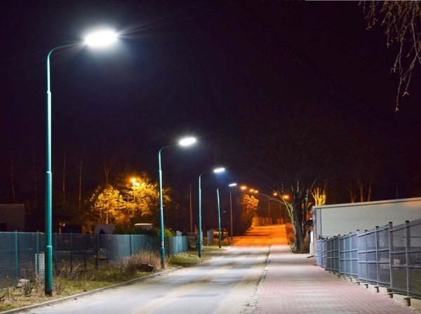 latarnie na ulicy